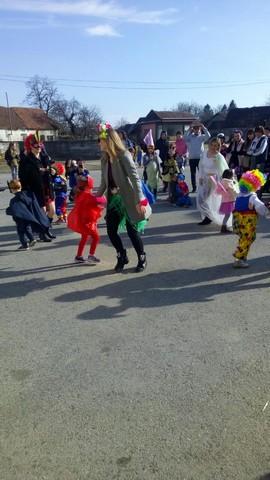 Vesele rode na karnevalskoj povorci u Goli