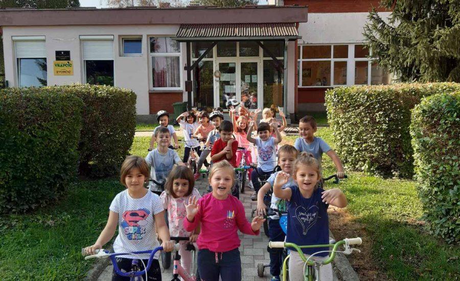 Biciklijada i naš prvi javni nastup